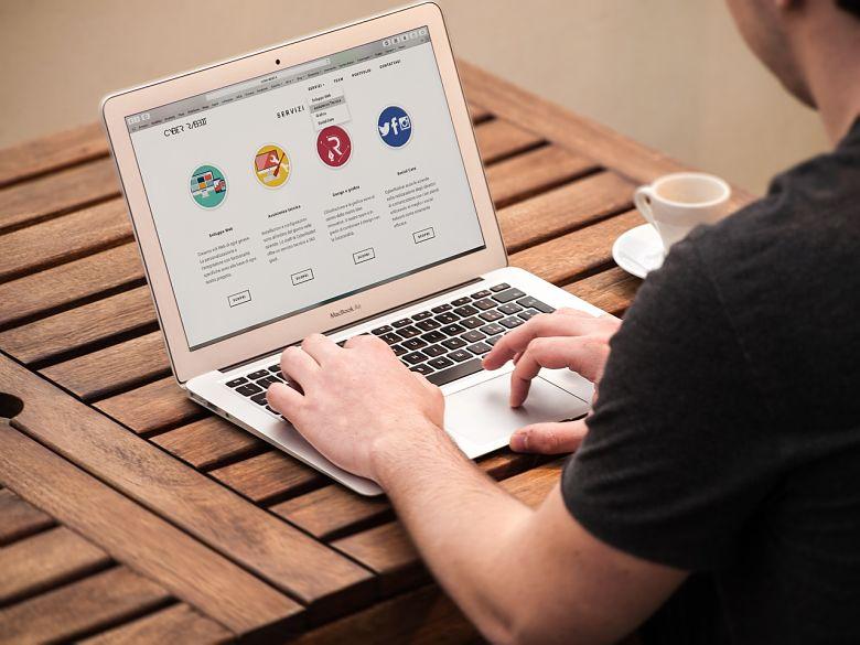 ¿Debo legalizar mi web personal si tengo insertada publicidad?